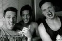 thesequel gruppo amici gay webcam