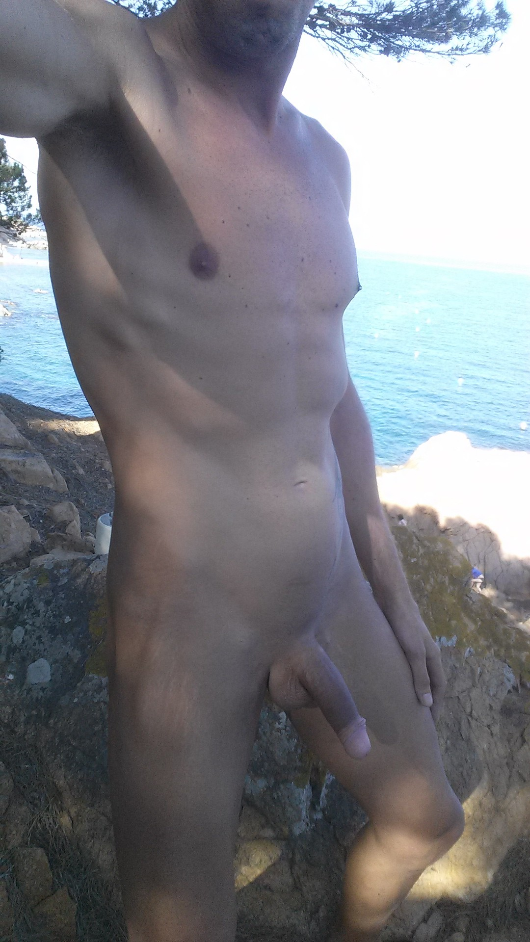 Studs fuck and suck by the sea