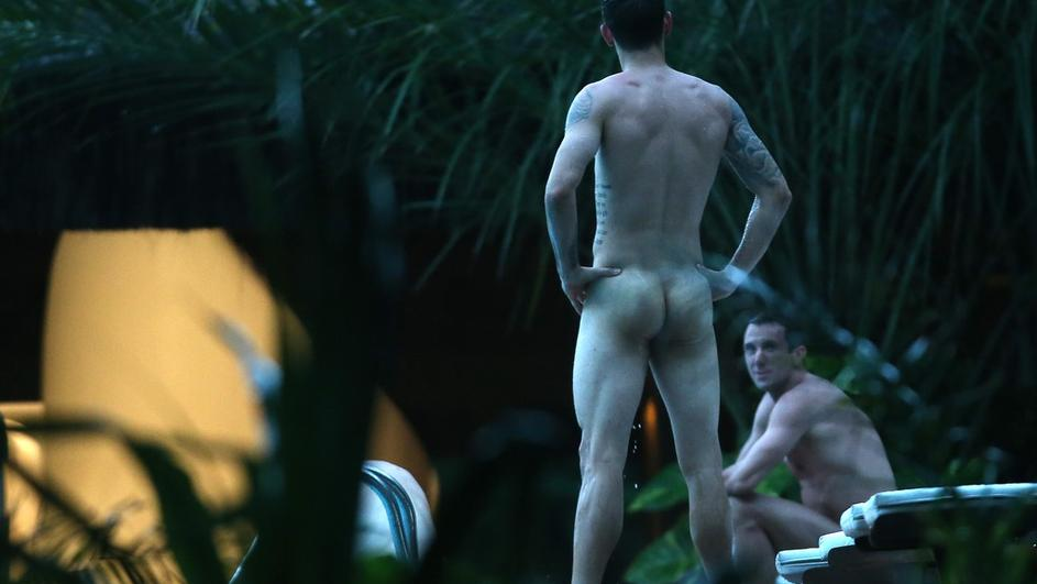 A World Cup Moment: Croatian Soccer Team Goes NUDE