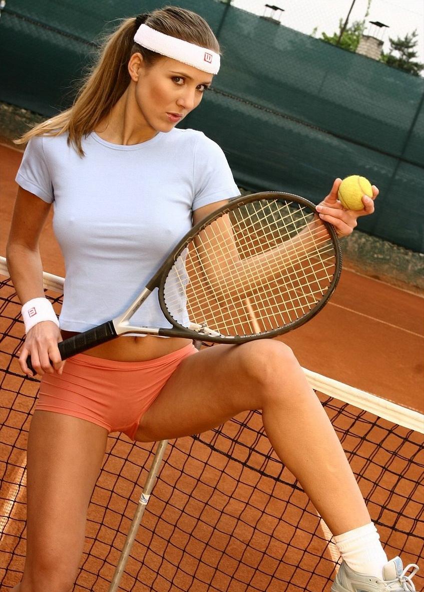Эротические фото на теннисе — pic 3