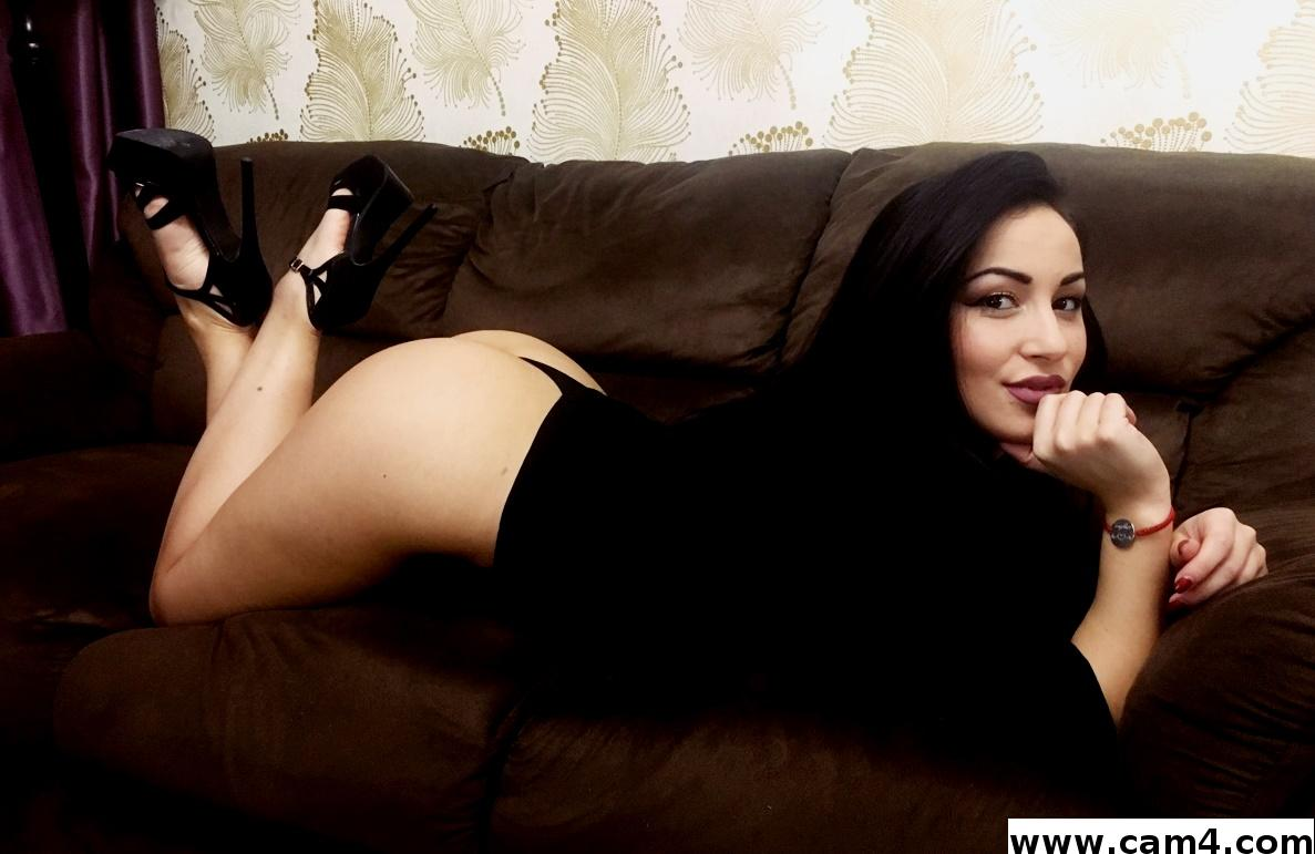 Cam4 interview with sexy brunette: crystalrayy