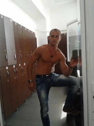 Cam4 Male Of The Day: Davidlover1
